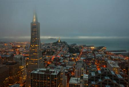SAN FRANCISCO TOMBEE DE LA NUIT