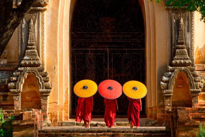 Les Moines Bouddhistes De Bagan2