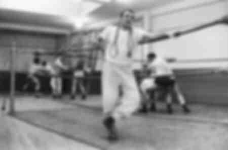 Lino Ventura in abbigliamento sportivo