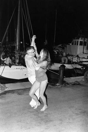Brigitte Bardot dances on the port of Saint Tropez