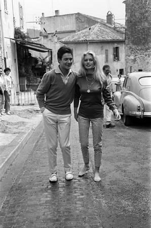 Brigitte Bardot et Jacques Charrier en lune de miel