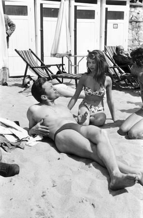 Kirk Douglas et Brigitte Bardot au 6ème Festival de Cannes