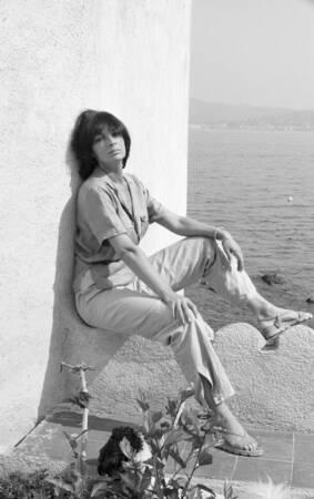 Marie Laforêt en vacances sur la Côte d'Azur