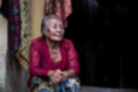 Oude Balinese vrouw