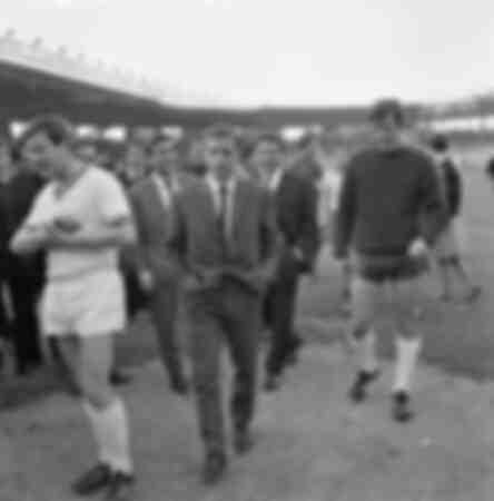 Belmondo avec l'équipe de France de football 1958