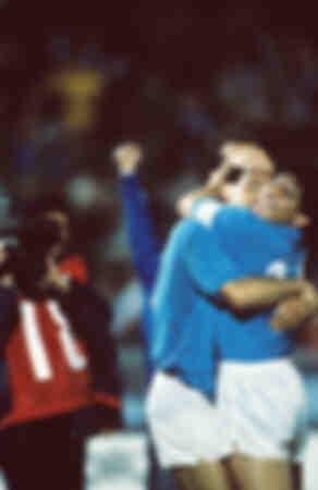 Diego Maradona kust Careca