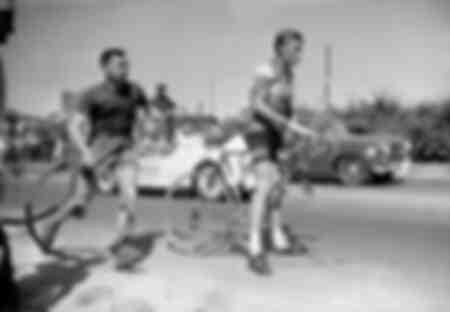 Jacques Anquetil victime d'une crevaison