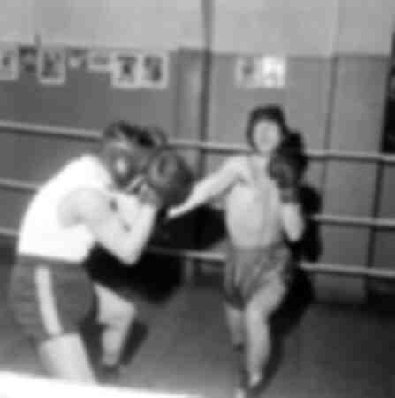 Jean-Paul Belmondo dans un combat de boxe