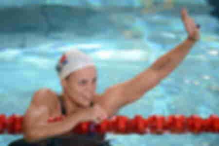 Laure Manaudou 100 M Rücken Frau