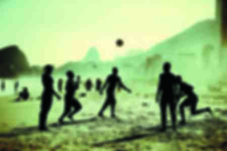 Match de football improvisé sur une place de Rio de Janeiro