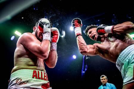 Combatti Toni Yoka contro David Allen