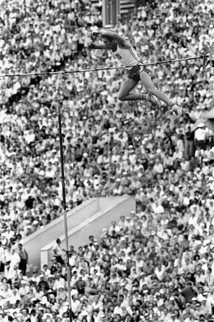 Concours Du Saut A La Perche Jeux Olympiques 1980