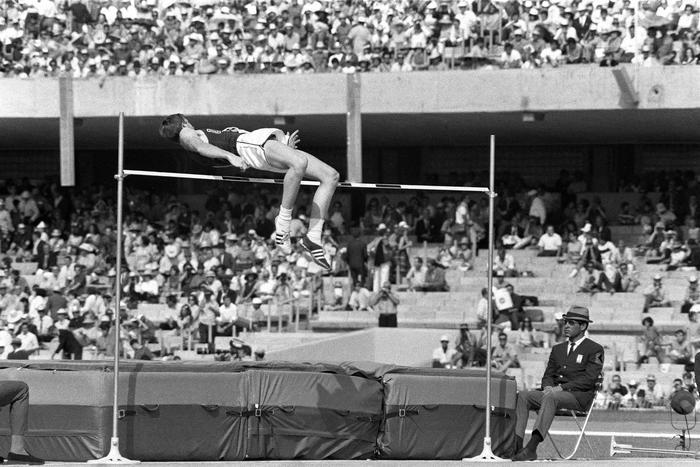 Dick Fosbury Concours Du Saut En Hauteur Jeux Olympiques 1968