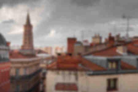 Glockenturm Saint-Sernin und Dächer von Toulouse
