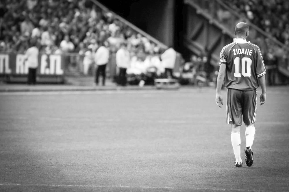 Zinedine Zidane Photograph By Serge Arnal