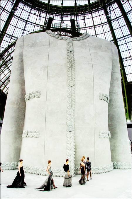 Sfilata di moda Chanel 2008