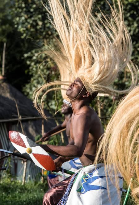 Danseur du village des gardiens des gorilles