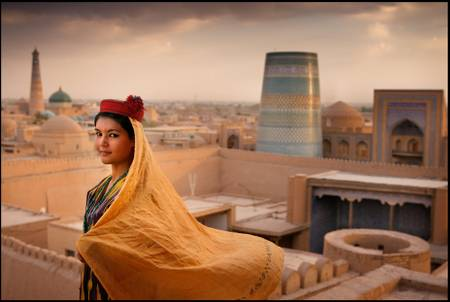 Young woman on the roof of Kunya Ark Fortress