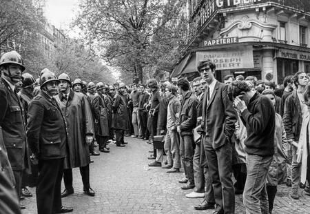 Policiers et étudiants en mai 1968