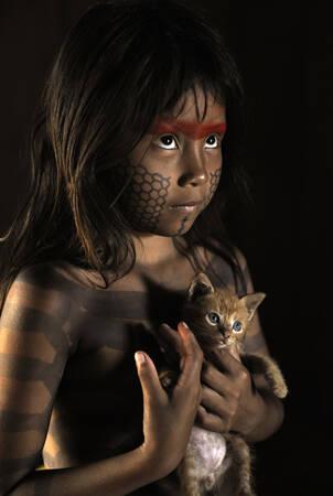 Portrait d'une jeune Kayapo