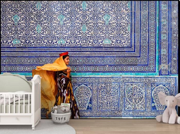 Woman in Kunya Ark Fortress