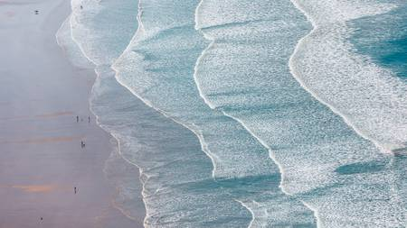 waves breaking on the beach