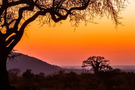 Couché du soleil sur paysage africain