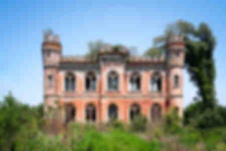 Castello abbandonato in campagna