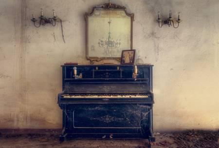 Mirror above Piano