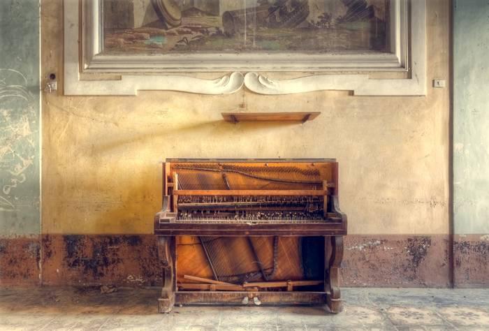 Piano And Fresco