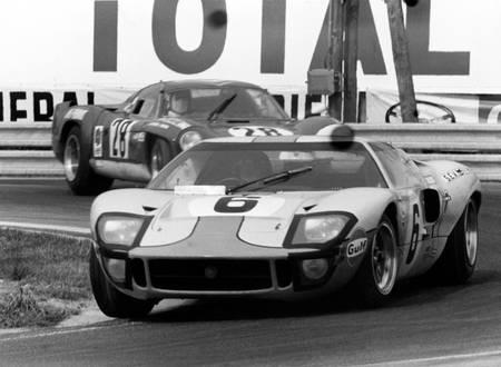 Jacky Ickx mène Andre de Cortanze au Mans en 1969
