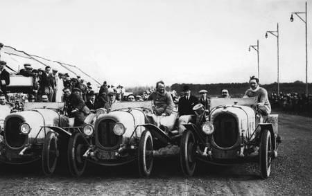 L'équipe gagnante de Chenard et Walcker au Mans en 1923