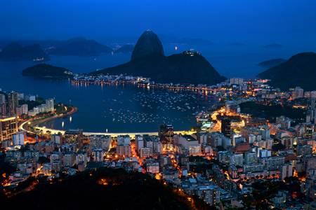 Nachtansicht von Rio