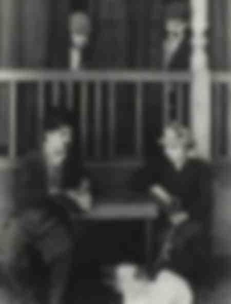Charlie Chaplin und Edna Purviance im Jahr 1918