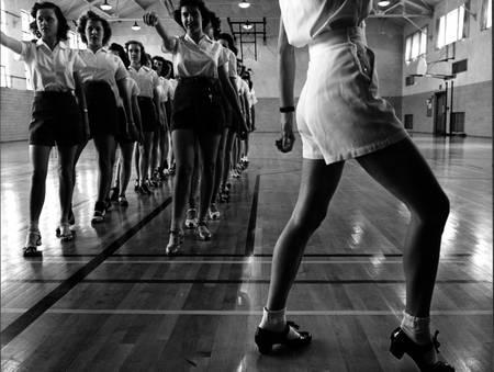 Cours de claquettes au gymnase de l'Iowa State College