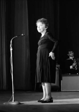 Edith Piaf chante dans notre pays 3