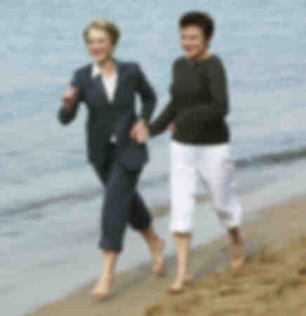 Hellen Mirren et Julie Walters à Cannes en mai 2003