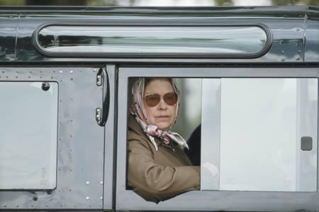 HM Queen Elisabeth