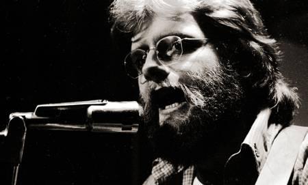 Singer Tom Mitchell