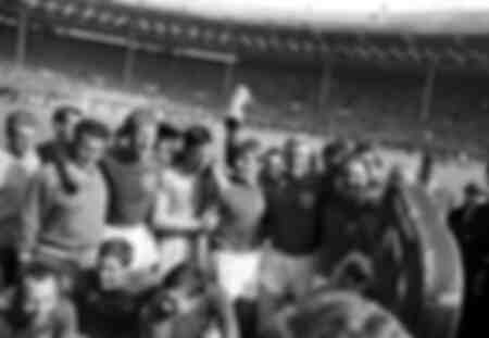 England celebrates with trophy - World Cup -1966