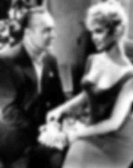Brigitte Bardot et Charles Boyer dans Une parisienne
