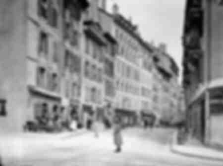 Ginevra - Una strada nella vecchia Ginevra con negozi nel 1900