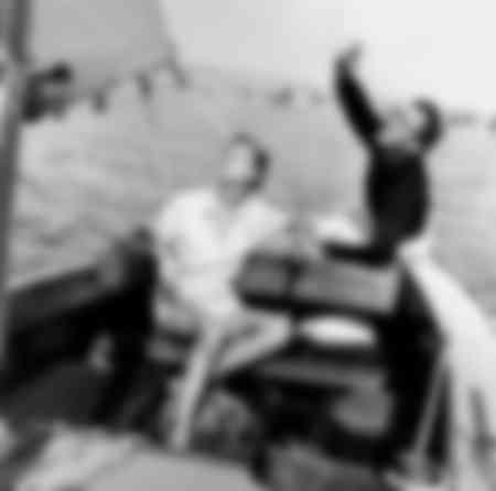 Lauren Bacall e Humphrey Bogart sulla loro barca a vela