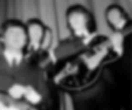 Les Beatles sur scène à Paris en 1965