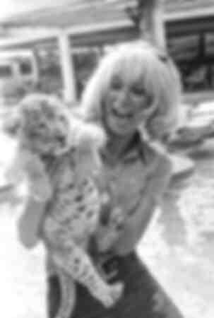 Mireille Darc op vakantie 1969