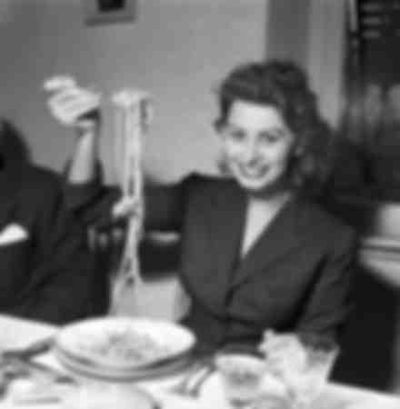 Sophia Loren eating spaghetti in 1953