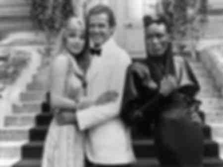 Tanya Roberts Roger Moore et Grace Jones au Deauville