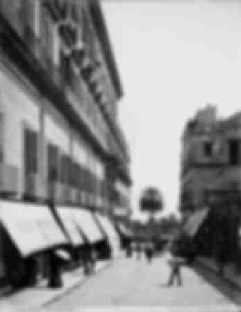 Via Calabritto en Nápoles