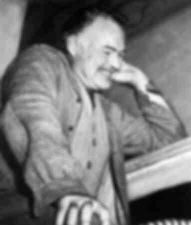 Schriftsteller Ernest Hemingway an Feiertagen in Italien