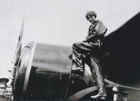 Amelia Earhart en 1932
